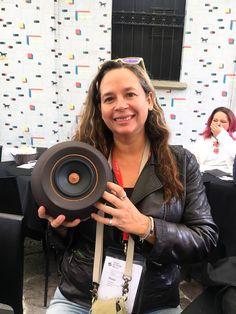 Macarena Sanchez from Màs Deco happy with our Mapu Mono loudspeaker.  #mapuguaquen #masdeco #milandesignweek