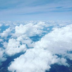Above the clouds … where will the next trip take us? # long-distance trip with children the clouds Tailgate Drinks, Rumchata Recipes, Go Hawaii, Best Mixed Drinks, Bbq, Airplane Window, Grill Party, Above The Clouds, Gif Of The Day