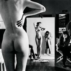 Helmut Newton   Autoritratto con moglie e modella  Parigi 1981