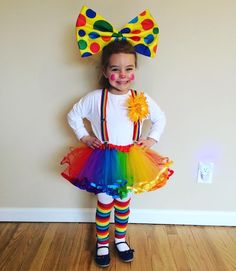 New Ideas For Birthday Girl Ideas Diy Halloween Costumes Costume Halloween, Cute Clown Costume, Circus Costume, Cute Halloween, Diy Costumes, Clown Costumes Kids, Clown Party, Circus Theme Party, Carnival Birthday Parties