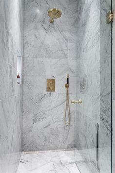 Find the best ideas and inspiration for marble luxury bathroom interior design and decoration at Maison Valentina. And while you're at it, find the most exquisite bathroom furniture there as well! Modern Bathroom, Small Bathroom, Master Bathroom, Shower Bathroom, Shower Tiles, Washroom, Bathroom Goals, Bathroom Colors, Bad Inspiration
