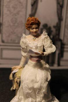 Miniatures & Mini Dolls