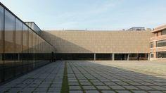 Galeria de MMCA: Museu de Arte Moderna e Contemporânea / Hyunjun Mihn + mp_art architects - 18 Contemporary Museum, National Museum, Seoul, Sidewalk, Louvre, Urban, Landscape, Architects, Gallery