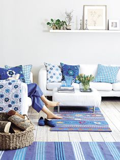 Google Image Result for http://4.bp.blogspot.com/-744Q0UqN3-w/TvsNkj-HxBI/AAAAAAAAH58/wCc0Q2ntO0Q/s640/turquoise-blue-white-teal-moroccan-rugs-blue-shades-combination-floral-wall-paper-shabby-chic-open-living-room-rustic-boho-interior-cottage-decor-updo-diy.jpg