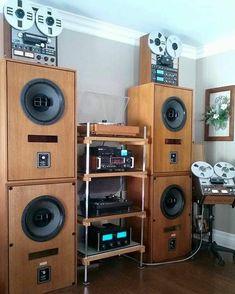 I love audio equipment Audio Rack, Vinyl Room, Audio Design, Dj Equipment, Hifi Audio, Audio Amplifier, High End Audio, Audio System, Audiophile