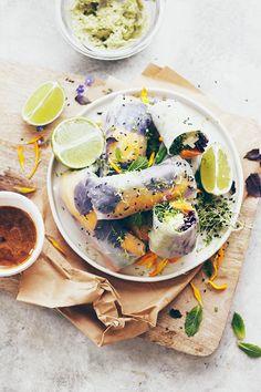 Le Passe Vite: Rolinhos Arco-iris com Hummus de Ervas :: Rainbow Summer Rolls with Herbed Hummus