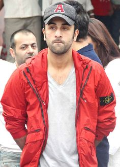 Sad but still cute 😚❤️ Bollywood Photos, Bollywood Actors, Bollywood Celebrities, Rishi Kapoor, Ranbir Kapoor, Indian Celebrities, S Pic, My People, Kim Kardashian