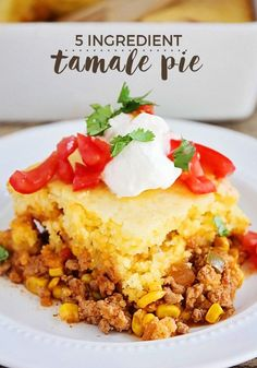 Easy Tamale Pie Recipe - Only 5 Ingredients This Tamale Pie Recipe is so simple and so delicious! My grandma used to make a Mexican casserole with the same flavors as this Tamale Pie and it was one of my favorite childhood meals. Mexican Dishes, Mexican Food Recipes, Mexican Pie, Mexican Desserts, Mexican Pot Pie Recipe, Mexican Cornbread Recipe Ground Beef, Ground Beef Tamales Recipe, Drink Recipes, Water Recipes