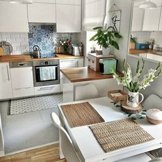 The decoration of small apartments is possible thanks to a good distribution and an optimal use of space,Small Apartment ideas Small Apartment Design, Small Apartment Decorating, Small Apartments, Home Decor Kitchen, Kitchen Interior, Home Kitchens, Kitchen Design, Home Decor Furniture, Kitchen Furniture