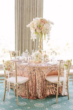 Gold and cream color palette - wedding decor inspiration | Photo by Jinda Photography