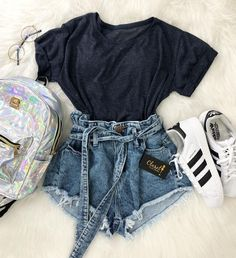 college outfits for going out Crop Top Outfits, Cute Casual Outfits, Simple Outfits, Stylish Outfits, Really Cute Outfits, Mode Rockabilly, Mode Grunge, Summer Outfits For Teens, Spring Outfits