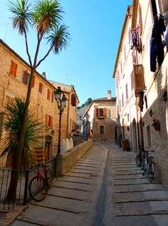 The old medieval town of Porto San Giorgio was just breathtaking with narrow cobbelstone streets lined by pretty houses in, Marche. Near a beautiful beach too.