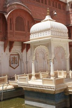 Image result for mughal courtyard