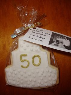 Anniversary cookie 50th Anniversary Cookies, Anniversary Dessert, Golden Anniversary, 25th Wedding Anniversary, Anniversary Parties, Anniversary Ideas, Celebration Love, Cupcakes Decorados, 50th Party