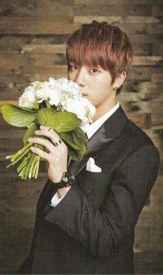 Jin casandose conmigo 7u7 jijiji