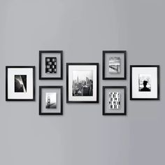 Gallery Wall Layout, Gallery Wall Frames, Photo Wall Layout, Photo Wall Design, Kitchen Gallery Wall, Family Pictures On Wall, Family Wall, Family Photo Walls, Picture Wall Living Room