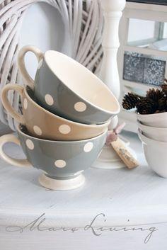 I like polka dot cups!