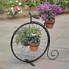Wrought Iron Decor, Garden Deco, Steel Art, Iron Art, Flower Stands, Garden Planters, Plant Decor, Yard Art, Garden Projects