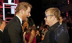 In a new interview, singer Elton John opened up about seeing Prince Harry in love with Meghan Markle. John and Princess Diana were close friends. Prince Harry Et Meghan, Harry And Meghan, Prince Henry, Las Vegas Shows, Royal Albert Hall, Ricky Martin, Kylie Minogue, Lady Diana, Little Mix