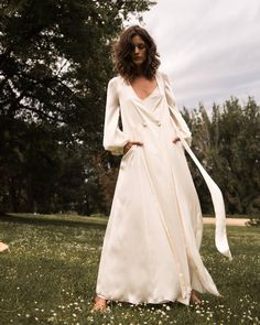 "Casilda (se casa) on Instagram: ""Una bata para casarse #cscvestidos"""