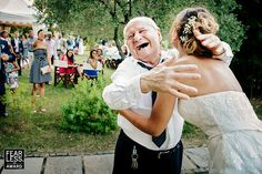 25 Wedding Images That Are More Than Just A Bunch Of Pretty Pictures
