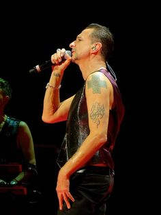 Dave Gahan, photo by Dingerz