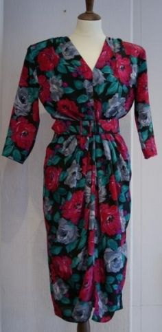 Vintage 80-talls kjole i blomstret mnster Typisk 50-talls look br 86 liv 71 hofter 75 Polyester vaskes for hnd Wrap Dress, Dresses With Sleeves, Long Sleeve, Vintage, Fashion, Moda, Full Sleeves, Fashion Styles, Gowns With Sleeves