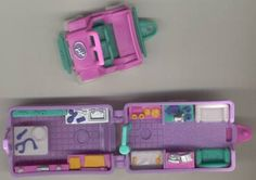 1996 - Polly Pocket Pet Surgery on the Go - Out 'n About - Bluebird Toys    aka Polly's Pet Surgery - Tiny World    Bluebird Toys Ref. No. 970681