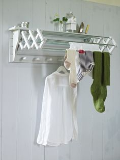 An extending clothes dryer is a clever space-saving idea for your utility room. Drying Rack Laundry, Laundry Room Organization, Laundry Room Design, Organization Ideas, Storage Ideas, Laundry Hanging Rack, Hanging Chair, Small Laundry, Home Organization