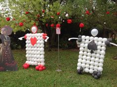 Cool balloon decorations at an Alice in Wonderland Birthday Party!  See more party ideas at CatchMyParty.com!