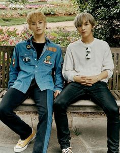 The Dallas Arboretum and Botanical Gardens are SO beautiful! We'd spend all day here if we could! Mark & Haechan in Dallas Taeyong, Mark Lee, Winwin, Jaehyun, K Pop, Nct 127 Mark, Cha Eunwoo Astro, Fandoms, Reaction Pictures