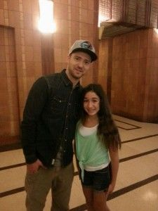 Justin Timberlake stops to meet a very special young girl....  http://blog.feelingthevibe.com/justin-timberlake-stops-press-tour-for-make-a-wish-child/