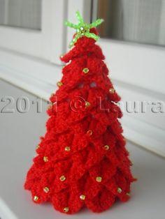 Crocodile Knitting Amigurumi Pine Tree Making 1 Crochet Christmas Decorations, Crochet Decoration, Crochet Christmas Ornaments, Christmas Crochet Patterns, Holiday Crochet, Christmas Knitting, Christmas Elf, Crochet Tree, Free Crochet