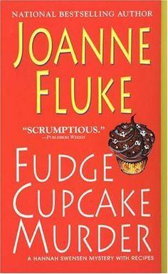 Joanne Fluke -Fudge Cupcake Murder
