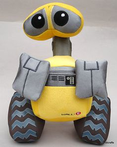 Disney Store Exclusive WALL-E Robot Plush Stuffed Toy Pixar Animated Movie 2008