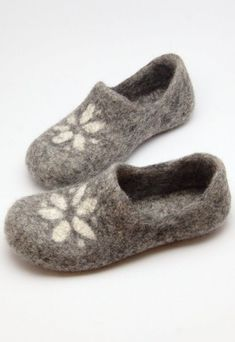 4d540fceaf7b34 17 Best Felted slippers pattern images