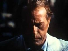 This is the main title sequence from the ABC-TV series, starring Darren McGavin as Chicago crime reporter Carl Kolchak. Scary Movies, Hd Movies, Movie Tv, Darren Mcgavin, Tv Themes, Tales From The Crypt, Intro Youtube, Famous Monsters, Tv Series Online