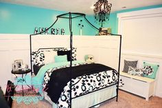 Black Turquoise girls room....Idk if this would make the room feel too big