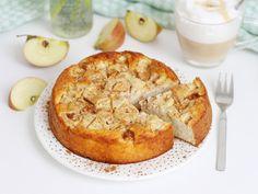 Gesunder Apfelkuchen Arbeitszeit: ca. 10 Min. / Koch-/Backzeit: ca. 30 Min. / Schwierigkeitsgrad: normal Die Osterzeit ist zwar vorbei, aber Zeit für einen gesunden Apfelkuchen ist trotzdem immer oder? :-) Dieser gesunde Apfelkuchen ist durch die Apfelstückchen richtig saftig und enthält nur gute Zutaten. Der komplette Apfelkuchen hat sogar über