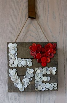 Valentine Decorations 89368373842754855 - Jillibean Soup Bean Talk: Projects on Wednesday! — Mix the Media — Patty Folchert Source by commetpubpinter Button Art Projects, Button Crafts For Kids, Crafts To Make, Diy Crafts, Simple Crafts, Paper Crafts, Valentines Day Decorations, Valentine Day Crafts, Holiday Crafts