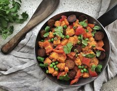 Chana Masala, Curry, Ethnic Recipes, Food, Red Peppers, Curries, Essen, Meals, Yemek