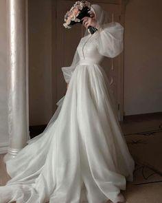 Muslim Wedding Gown, Hijabi Wedding, Wedding Hijab Styles, Muslimah Wedding Dress, Muslim Wedding Dresses, Wedding Dress Sleeves, Dream Wedding Dresses, Bridal Dresses, Wedding Gowns