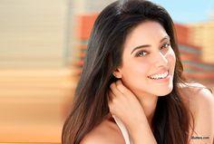 Asin Bollywood Actress Photos Stills Gallery
