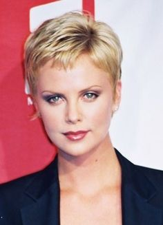 Super Short hair styles for curly hair - Charlize Theron Super Short hair styles for curly hair - Ch Very Short Haircuts, Short Haircut Styles, Short Hair Styles Easy, Short Hairstyles For Women, Short Hair Cuts, Easy Hairstyles, Curly Hair Styles, Pixie Cuts, Hairstyle Ideas