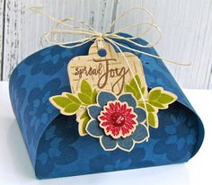 Spread Joy Petal Box by Michelle Leone for Papertrey Ink (June 2017)