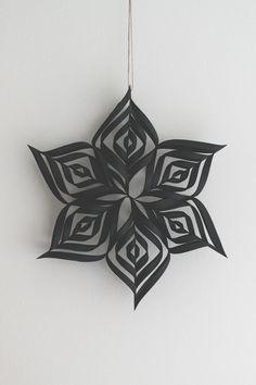 musta paperitähti / black paper star — Lenemade
