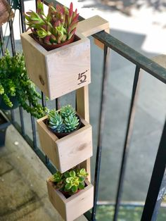 Tiered Balcony Planter Box This handmade THREE-TIER planter is the ideal solution for those that wan Balcony Planters, Small Balcony Garden, Small Balcony Decor, Garden Planters, Balcony Herb Gardens, Balcony Gardening, Plants On Balcony, Balcony Flower Box, Diy Wood Planters