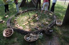 let the children play: reggio-inspired learning environments part Gorgeous outdoor play area Reggio Emilia, Outdoor Learning Spaces, Outdoor Play Areas, Outdoor Art, Outdoor Spaces, Natural Playground, Outdoor Playground, Playground Ideas, Preschool Playground