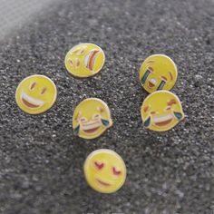 Fashion Cute Yellow Smile Emoji Face Heart Stud Earring For Women Girls Gift 6 Styles Wholesale New Arrival