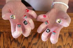 #TwinPeaks nail art, tis is awesome and all but the R is supposed to be under the ring finger.